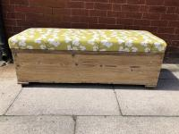 Pine Blanket Box With Seat - Ottoman