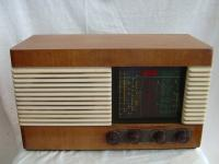 The Barker 543 radio